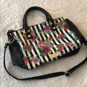 Striped Floral Betsey Johnson Purse 🌺